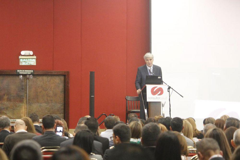 Ministro Juan Pablo Uribe en el XIII Congreso Nacional de Salud